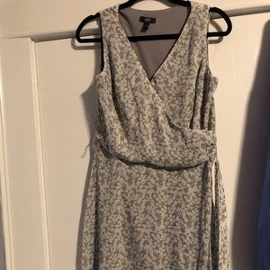 Sleeveless ModCloth jbs gray and white dress